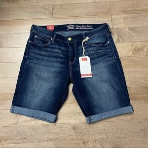 NEW Levi's Modern Skinny Jean Shorts